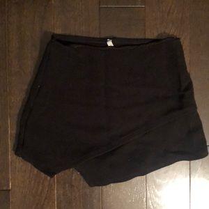 Dresses & Skirts - Black Skort
